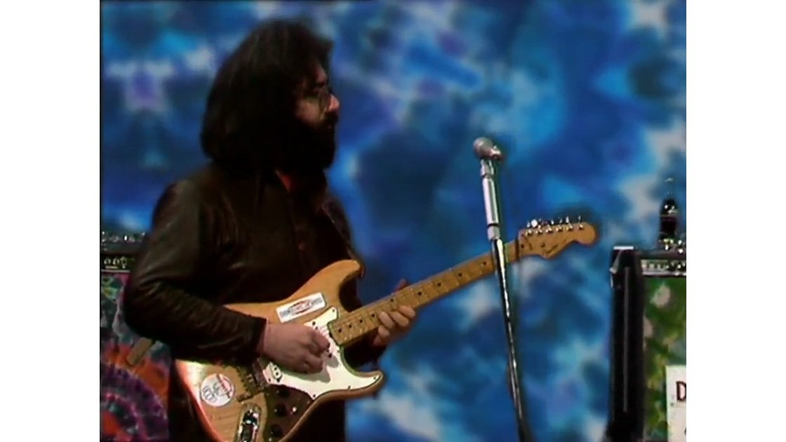 grateful-dead-beat-club-1972-germany-video-jerry-garcia-alligator-strat