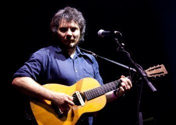 image for artist Jeff Tweedy