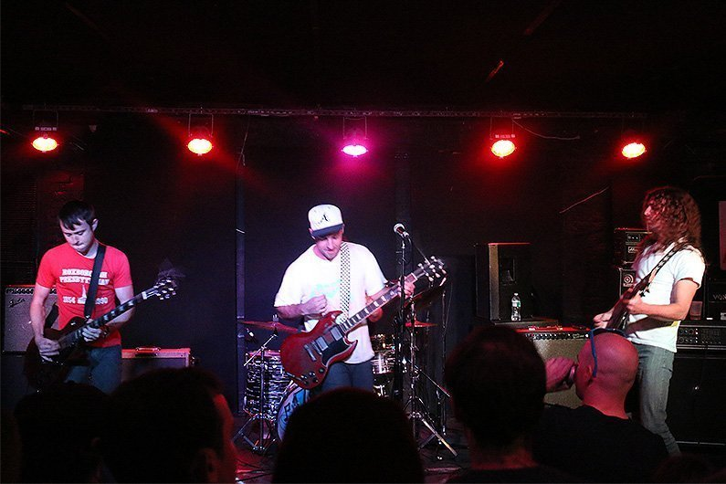 lee-bains-mercury-lounge-2014-band-stage