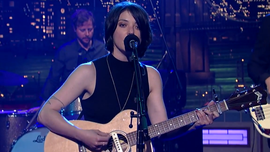 "image for article ""Every Time the Sun Comes Up"" - Sharon Van Etten on David Letterman 7.25.2014 [YouTube Video]"