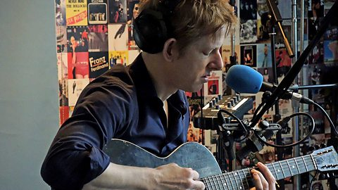 "image for article ""Rent I Pay"" & ""Rainy Taxi"" - Spoon Acoustic on BBC 6Music 7.2.2014 [Audio Stream]"
