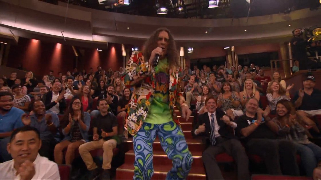 weird-al-tacky-conan-obrien-live-video-crowd