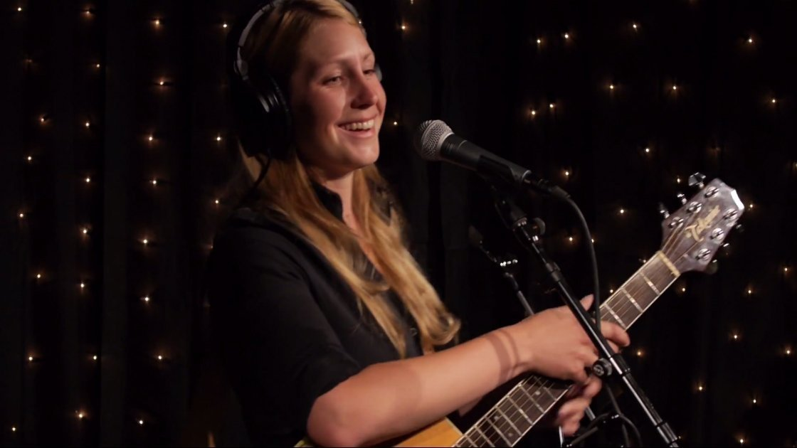 zoe-muth-kexp-2014-07-19-middle.jpg