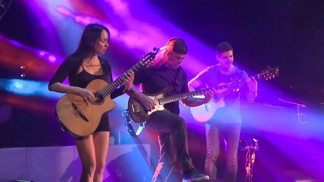 rodrigo-gabriela-robert-trujillo-metallica-red-rocks