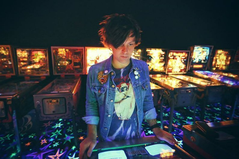 image for article Ryan Adams Discusses $100,000 Unreleased Record and Oasis with NME