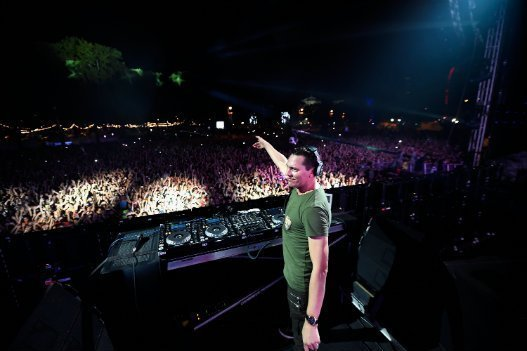 Tiesto-Made-In-America-Philadelphia-Zumic