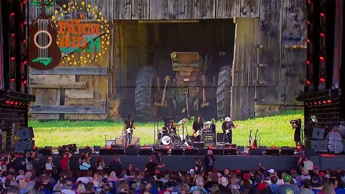 gary-clark-jr-farm-aid-2014-band-youtube-video