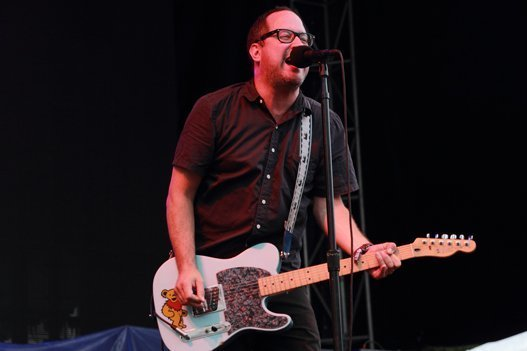 the-hold-steady-craig-finn-boston-calling-2014-grateful-dead-bear-guitar