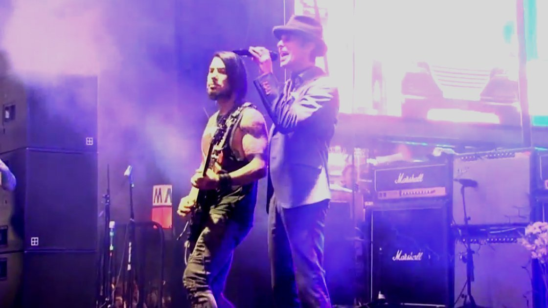 image for article Jane's Addiction Full Performance in Times Square, NYC for CBGB Festival 10.12.2014 [YouTube Video]