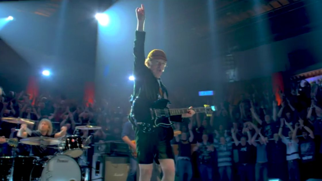 acdc-rock-or-bust-music-video-angus-young-fans