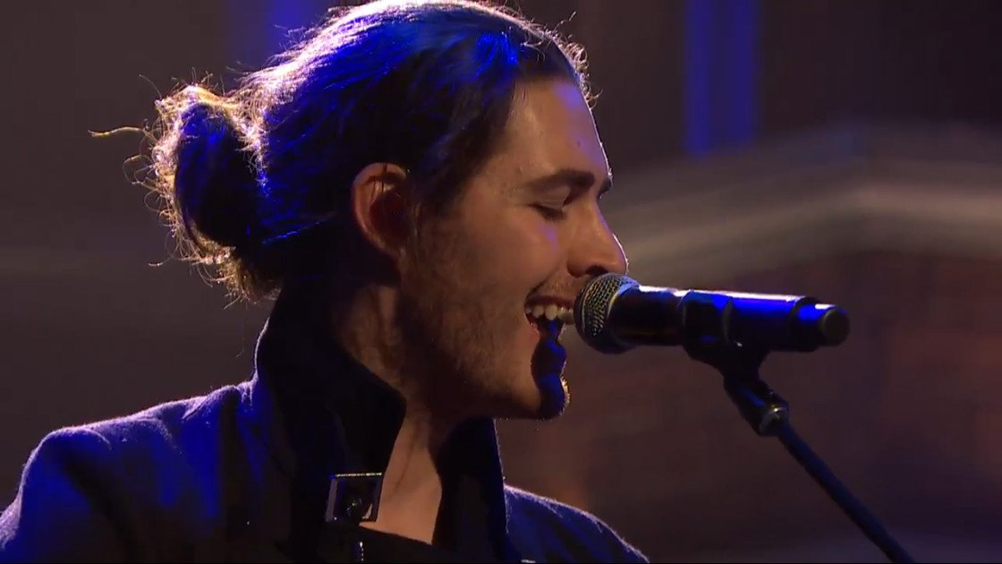 "image for article ""Take Me To Church"" & ""From Eden"" - Hozier on Late Night With Seth Meyers 11.6.2014 [NBC Videos + Lyrics]"