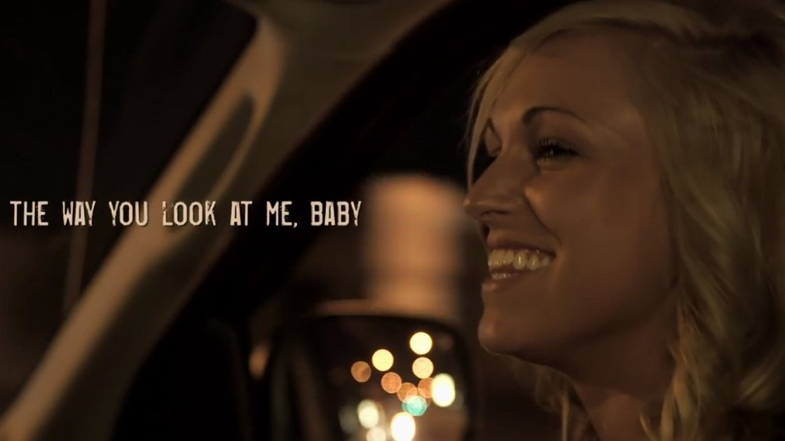 jason-aldean-just-gettin-started-music-video-woman-smiling