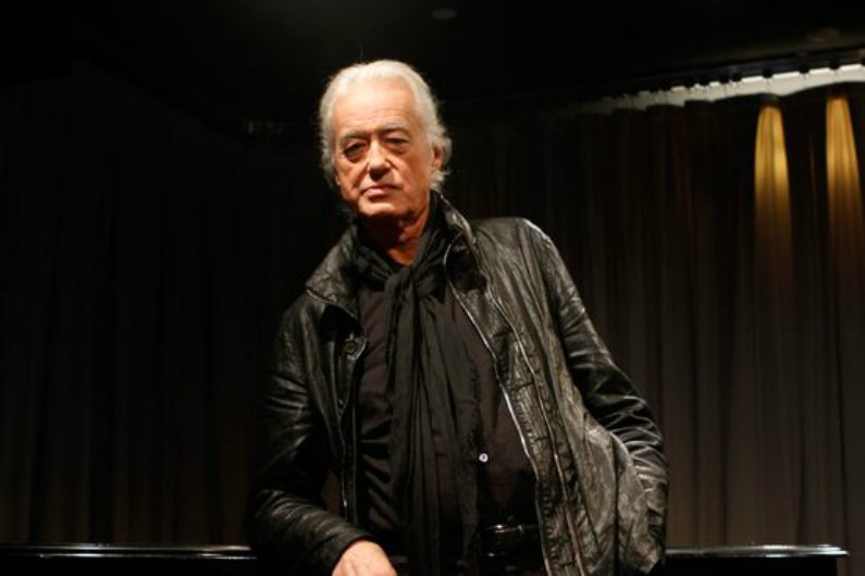 jimmy-page-soundcheck-black-jacket