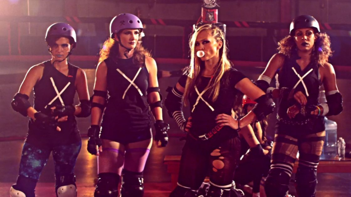 noel-gallagher-high-flying-birds-do-the-damage-music-video-roller-girls-destroyers