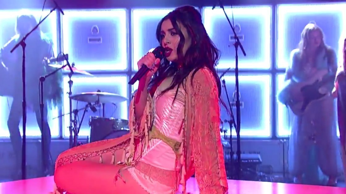 "image for article ""Need Ur Luv"" - Charli XCX on Letterman 12.16.2014 [YouTube Video]"