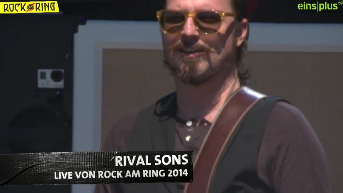 rival-sons-rock-am-roll-guitarist