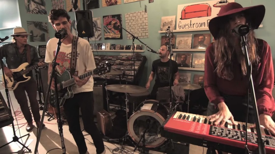 houndmouth-guestroom-records-band-2014