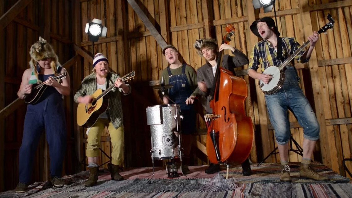 "image for article ""You Shook Me All Night Long"" - Steve 'N' Seagulls (Bluegrass AC/DC Cover) [YouTube Official Music Video]"