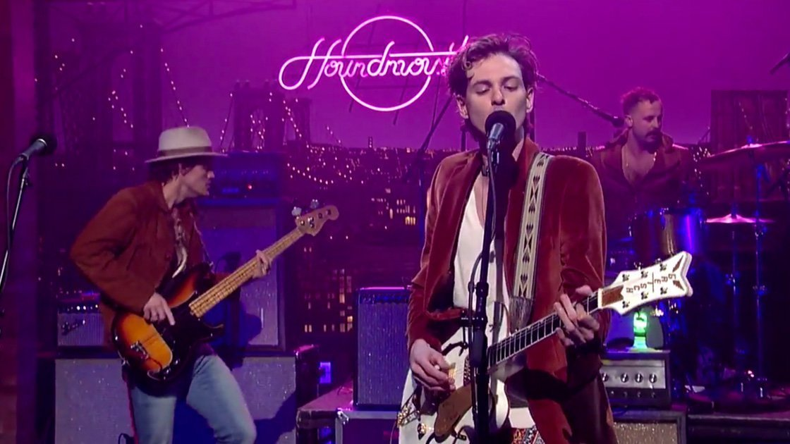 "image for article ""Sedona"" - Houndmouth on David Letterman Mar 31, 2015 [CBS Official Video]"