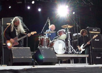 image for artist Dinosaur Jr.