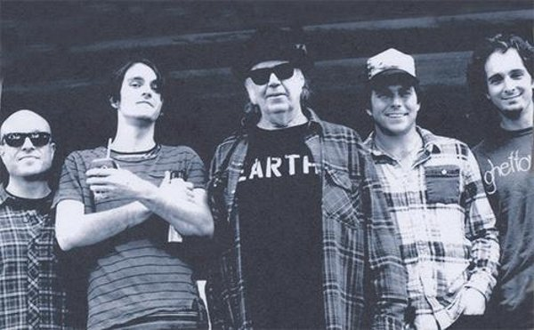 neil-young-promise-of-the-real-lukas-nelson-photo
