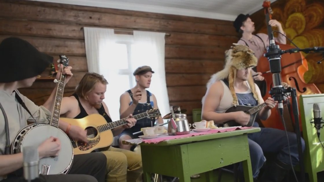 "image for article ""Seek And Destroy"" - Steve 'N' Seagulls (Metallica Cover) [YouTube Music Video]"