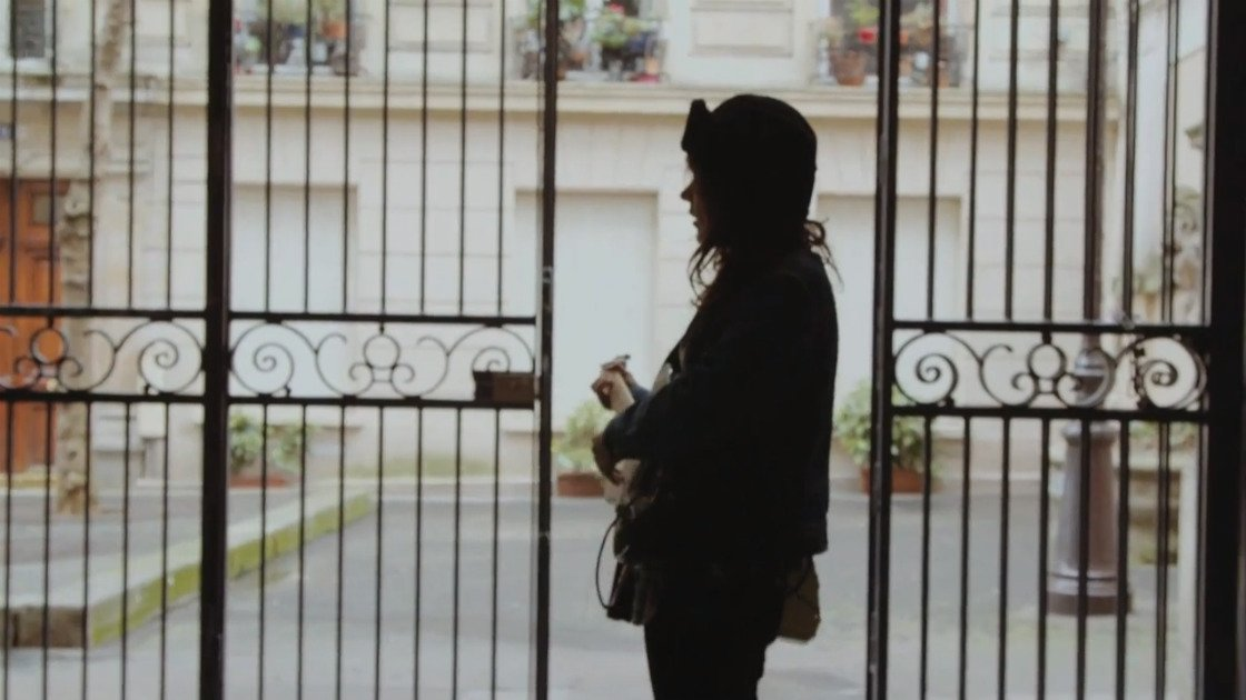 "image for article ""Depreston"" - Courtney Barnett on La Blogothèque  [Official YouTube Video]"