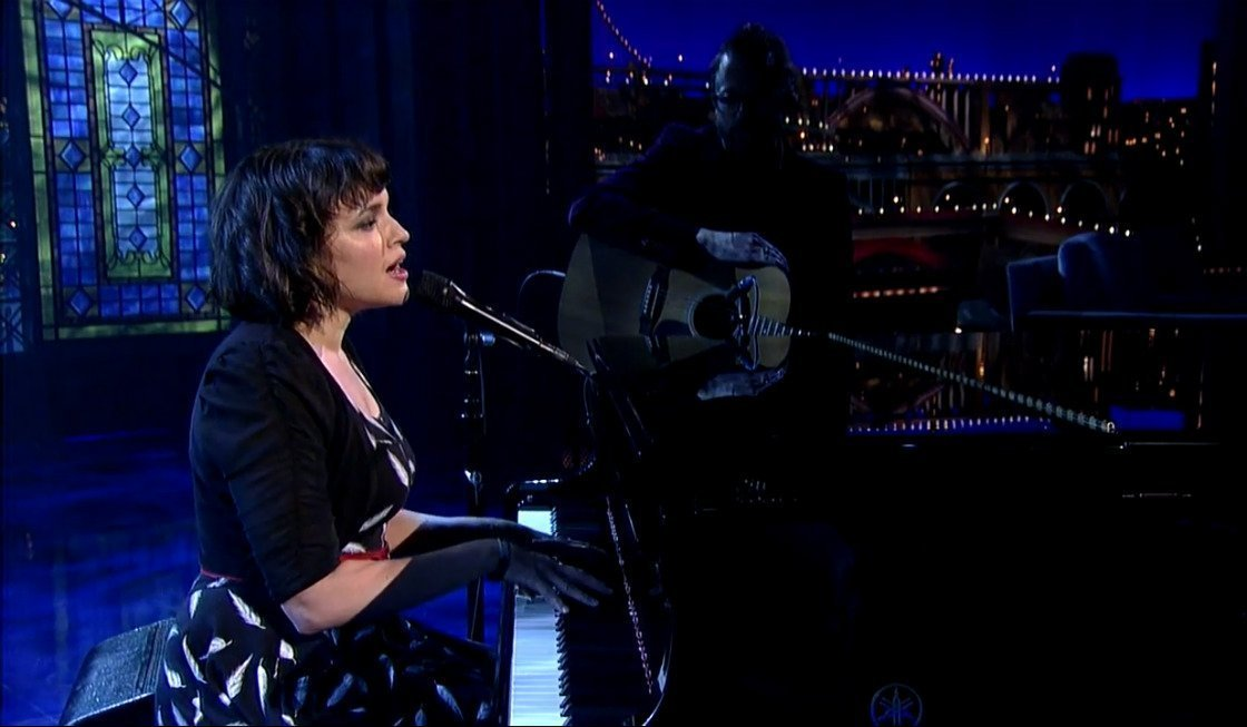 "image for article ""Don't Know Why"" - Norah Jones on David Letterman May 6, 2015 [YouTube Official Video]"