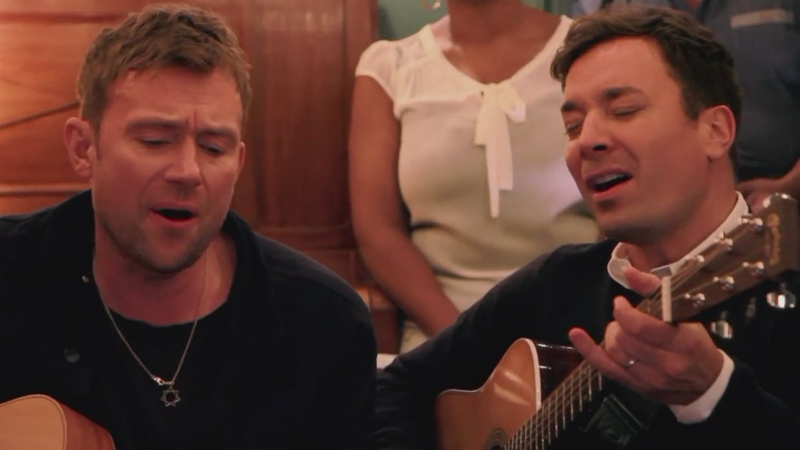 "image for article ""Tender"" (Acoustic) - Blur with Jimmy Fallon Apr 30, 2015 [YouTube Official Video]"