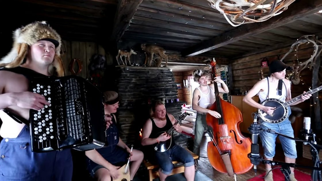 "image for article ""Run To The Hills"" - Steve 'n' Seagulls (Iron Maiden Cover) [YouTube Official Live Video]"