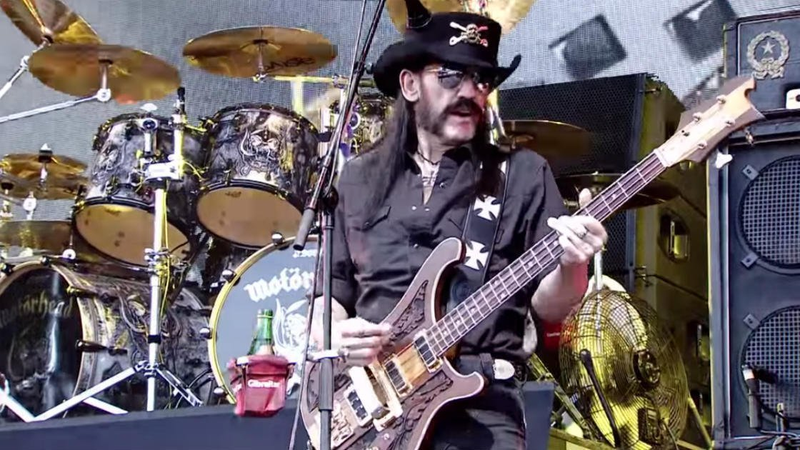 motorhead-glastonbury-lemmy-2015-bass