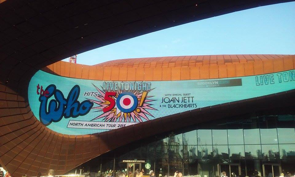 the-who-barclays-center-brooklyn-2015-arena-outside