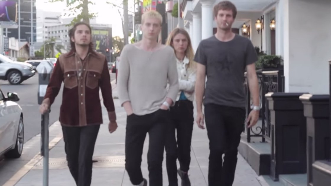 "image for article ""Fluffy"" - Wolf Alice [YouTube Official Music Video]"