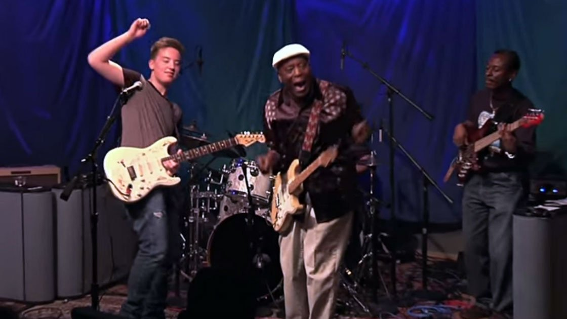 image for article Buddy Guy & Quinn Sullivan Cover Ray Charles, Cream, and Hendrix on SiriusXM BB King's Bluesville [YouTube Video]