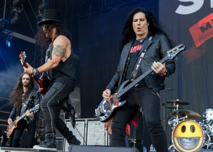 image for artist Slash featuring Myles Kennedy & The Conspirators
