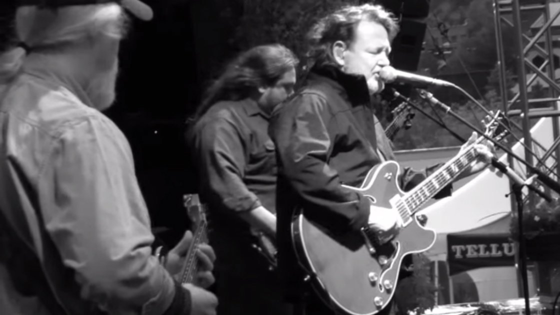 widespread-panic-telluride-2015-john-bell-singing
