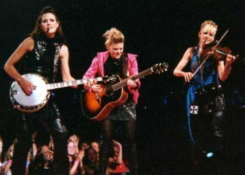 image for artist Dixie Chicks