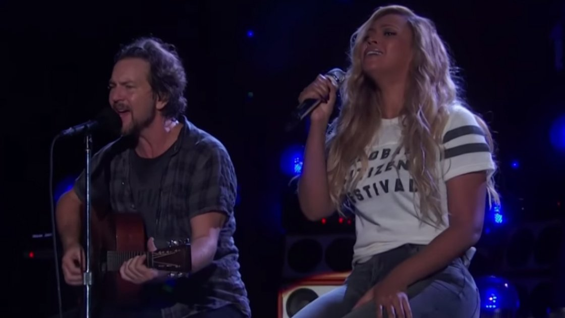 "image for article ""Redemption Song"" - Eddie Vedder & Beyoncé at 2015 Global Citizen Festival in NYC on Sep 26, 2015 (Bob Marley Cover) [YouTube Official Video]"