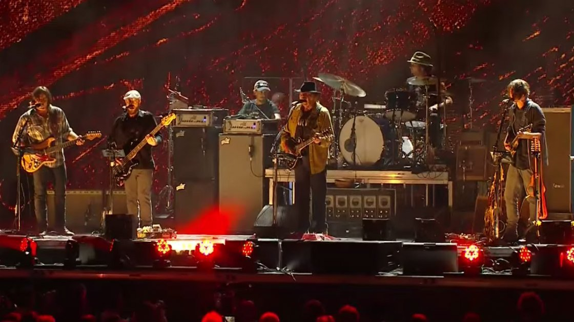 image for article Neil Young + Promise of the Real Full Set at Farm Aid in Chicago, IL on September 19, 2015 [YouTube Official Video]