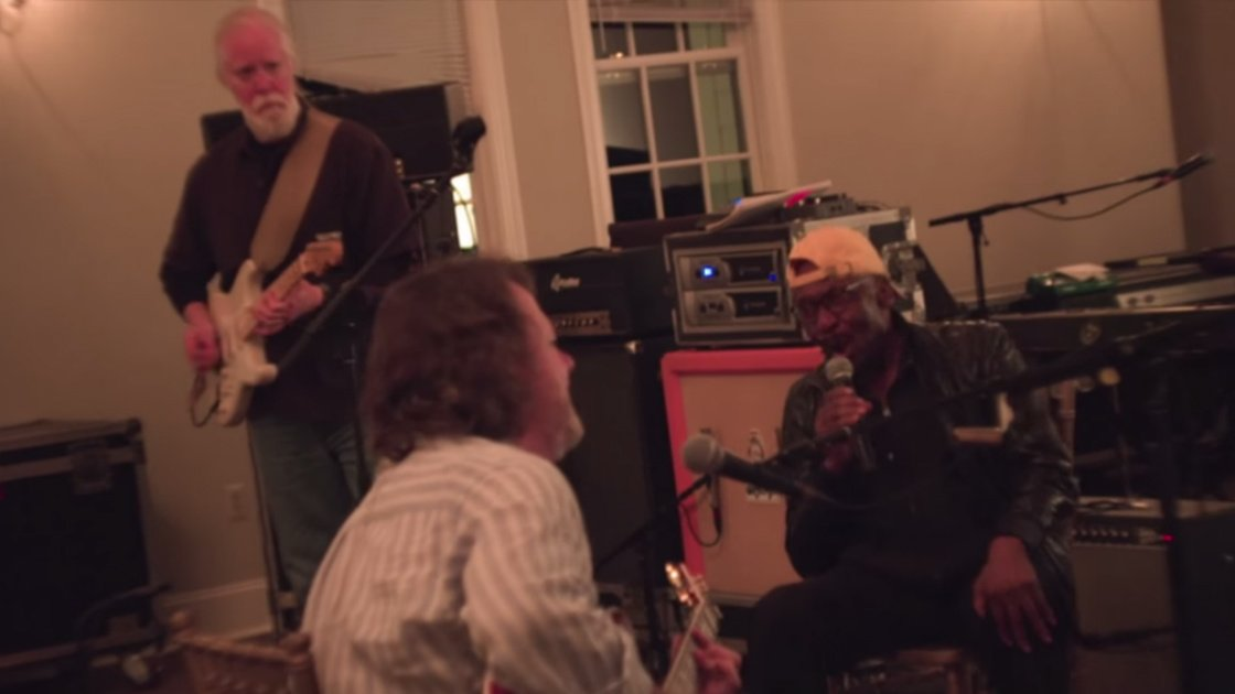 "image for article ""Sitting in Limbo"" - Widespread Panic with Jimmy Cliff & Chuck Leavell at Lockn' Music Festival in Arrington, VA on Sep 12, 2015 [YouTube Official Video]"