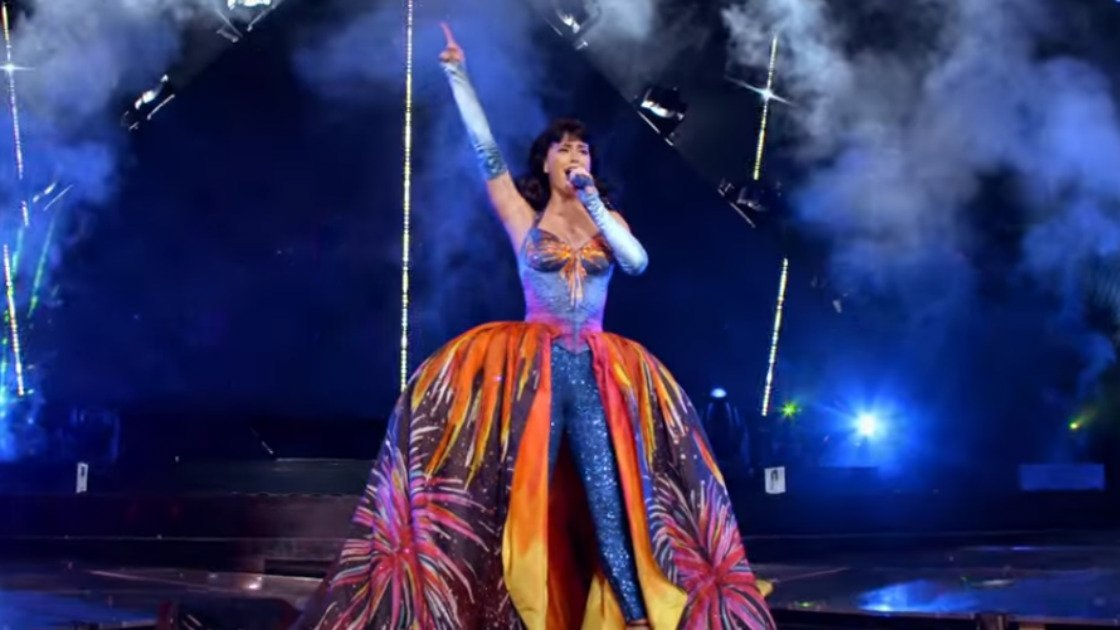 "image for article ""Firework"" - Katy Perry from Prismatic World Tour Live [YouTube Official Video]"