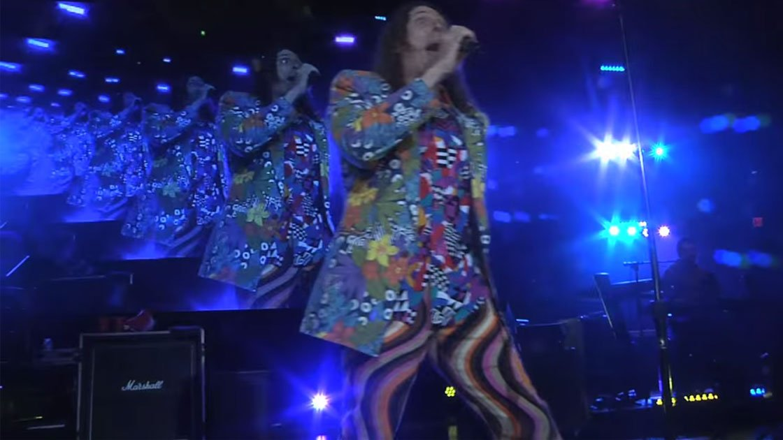 "image for article ""Tacky"" - Weird Al Yankovic (2015 Mandatory World Tour Live Footage) [YouTube Official Video]"