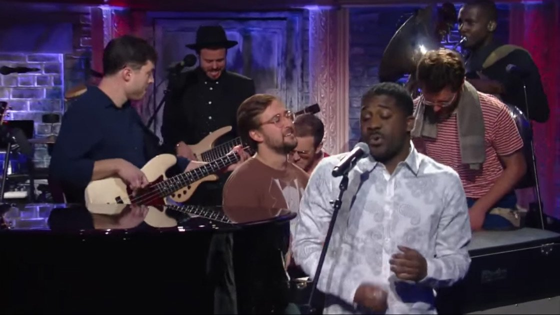 image for article Vulfpeck's Soulful Performance & Funny Backstage Interview on The Late Show with Colbert, 2015 [YouTube Official Videos]