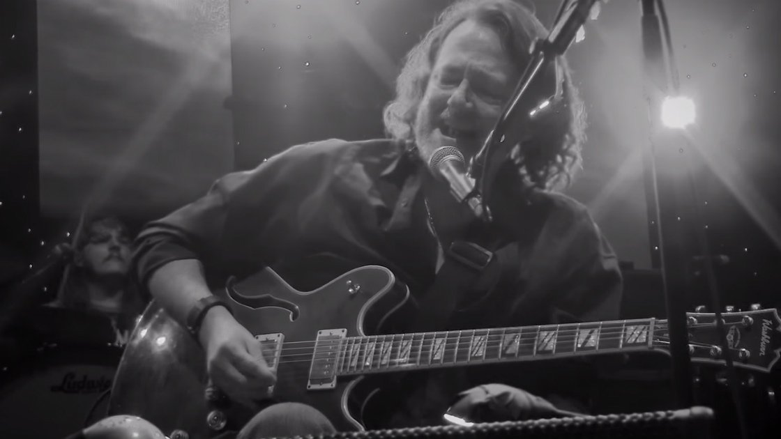 "image for article ""Hallelujah"" - Widespread Panic at Fox Theatre in Atlanta, GA on Dec 31, 2015 (Leonard Cohen Cover) [YouTube Official Video]"