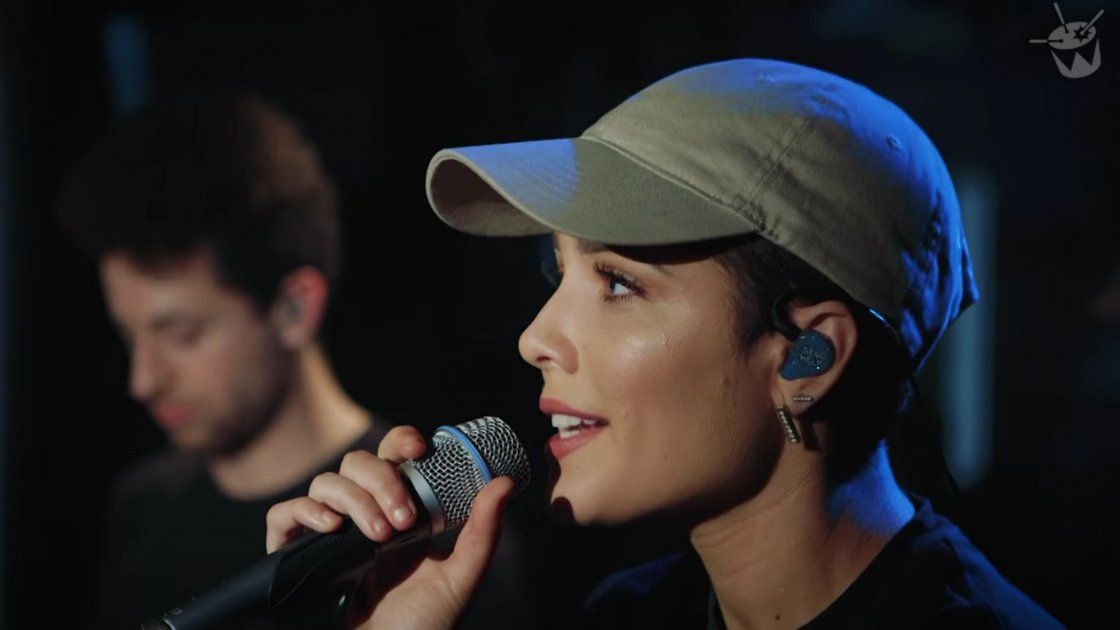 "image for article Halsey Sings ""Hold Me Down"" & ""Love Yourself"" (Justin Bieber Cover) on Triple J Radio's 'Like a Version' [YouTube Official Videos + Full Audio]"
