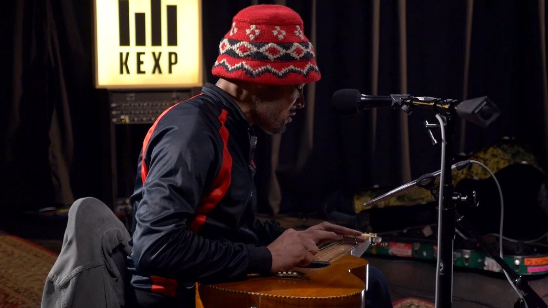 "image for article Ben Harper Filled The KEXP Studio With Soul, Performed ""Call It What It Is"" Songs on March 8, 2016 [YouTube Video]"