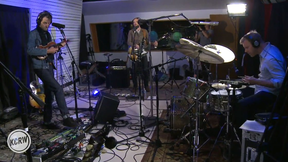image for article Andrew Bird KCRW Morning Becomes Eclectic Performance & Interview on May 12, 2016 [Full Official Video]