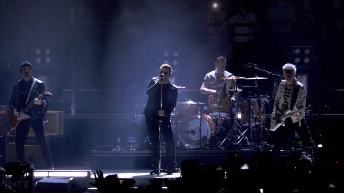"image for article ""I WIll Follow"" - U2 (iNNOCENCE + eXPERIENCE Live in Paris 2015) [Youtube Official Video]"