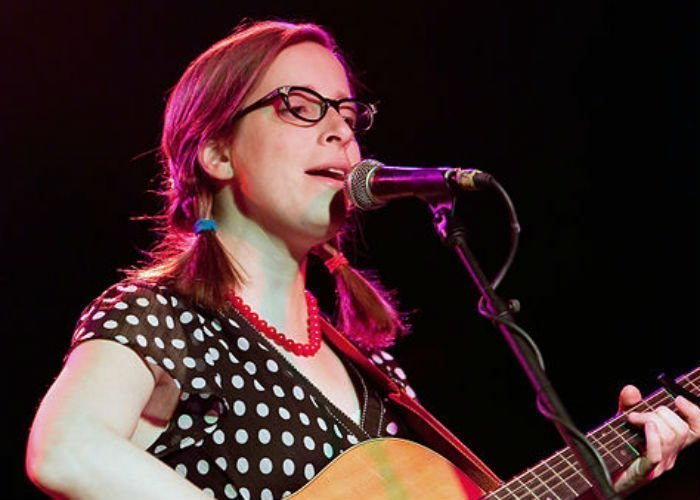 image for artist Laura Veirs