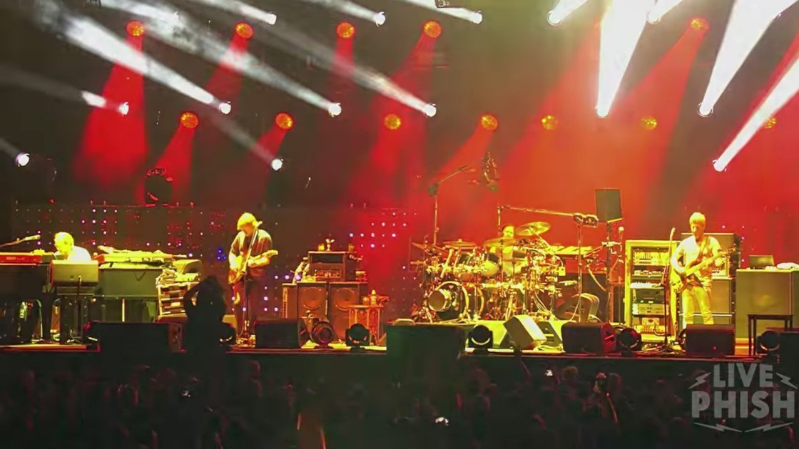 "image for article ""Twist"" - Phish at Wrigley Field in Chicago, IL on June 24, 2016 [YouTube Official Video]"